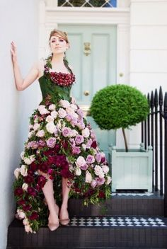 I dream of some day having a client commission me to make a dress made completely of flowers.  Talk about making an entrance at a cocktail party!
