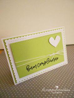 """Ciao e ben ritrovate/i a tutti! Per il post di oggi una card di compleanno realizzata utilizzando alcuni dei nuovi prodotti appena usciti. La base della card, un cartoncino bianco, a cui ho sovrapposto, alternandolo con il bianco, del cartoncino verde. Ho decorato l'ultimo cartoncino verde con la scritta """"buon compleanno"""", un piccolo fiocco ed …"""
