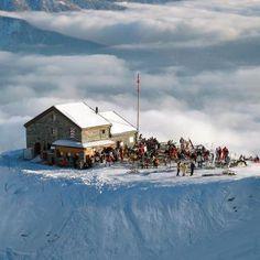 La cabane des violettes @Crans Montana Facebook Valais-Community