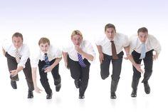 Tipps für Berufseinsteiger: Zehn Schritte: So klettern Sie auf der Karriereleiter schneller nach oben - Zehn Schritte: So klettern Sie auf der Karriereleiter schneller nach oben http://www.focus.de/finanzen/karriere/tipps-zum-berufeinstieg-die-ersten-schritte-auf-der-karriereleiter_id_3918910.html