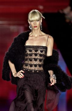 Valentino at Couture Fall 2003 - Livingly
