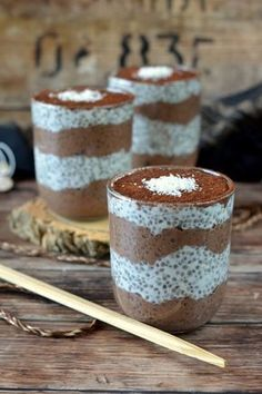 Bounty chiapuding -- kifőztük.hu Paleo Sweets, Paleo Dessert, Dessert Recipes, Paleo Desert Recipes, Chia Puding, Diet Cake, No Salt Recipes, How Sweet Eats, Sweet Desserts