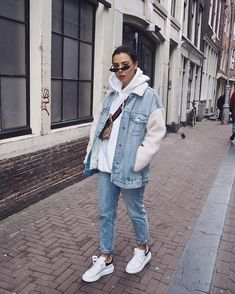 Dam strolls (link to the jacket on my IG story) Jacket - missguided Jeans - miss. : Dam strolls (link to the jacket on my IG story) Jacket - missguided Jeans - miss. Fashion Mode, Look Fashion, Winter Fashion, Paris Fashion, Woman Fashion, Fashion Brands, Fashion Online, Trendy Outfits, Winter Outfits