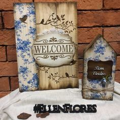 Wood Pallet Art, Wood Pallets, Wood Art, Decoupage Art, Decoupage Vintage, Primitive Wood Signs, Diy And Crafts, Arts And Crafts, Wooden Cutouts