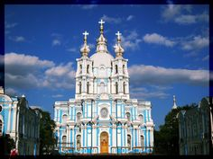 Smolny Cathedral by Violette26 on Flickr.
