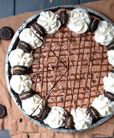 No-Bake Reese's Oreo Pie! Super easy, creamy, and full of chopped Reese's Oreos! bethcakes.com