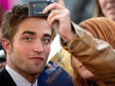 200 novas/velhas fotos de Rob Pattinson em várias premieres em Berlim - Star Hollywood