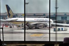 Singapore Airlines flight diverted to Dubai due to engine issue - http://atosbiz.com/singapore-airlines-flight-diverted-to-dubai-due-to-engine-issue/