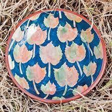 Sarie Maritz Ceramics - Namibia - 2013 - earthenware dish with decorative leaf motifs