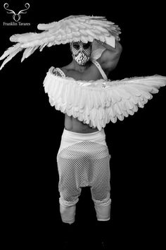 credit cards costume White Angel Wings Costume Christmas costume Perfect for a photo shoot Dramatic Adult Hunger Games Fe Mens Angel Costume, Angel Wings Costume, Costume Halloween, Christmas Costumes, Halloween 2020, Lady Gaga, Card Costume, White Angel Wings, Tribal Warrior