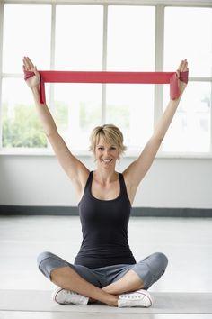 Fitness dolce con gli elastici