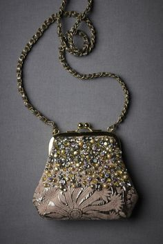 Vintage evening bag -inspiration.. strass and sequins and beads on a bag