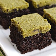 Chocolate Cake with Matcha Frosting, a moist, spongy and delicious dessert that is also gluten-free. Just in time for Easter!