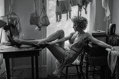 Ρετρό αισθησιασμός στη νέα φωτογράφηση της Nicole Kidman για το Interview Magazine