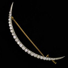 Vintage 18K and Platinum 1tcw Diamond Crescent Brooch