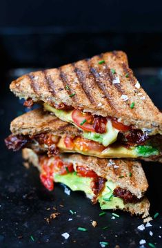 Advertising Avocado Bacon Grilled Cheese Sandwich OMG, how easy and delicious! You need this fast after-work recipe – Kochkarussellcom The post Avocado Bacon Grilled Cheese Sandwich appeared first on Woman Casual - Food and drink Toast Sandwich, Grilled Sandwich, Grilled Avocado, Bacon Avocado, Avocado Chicken, Bacon Sandwich, Grilling Recipes, Snack Recipes, Healthy Recipes