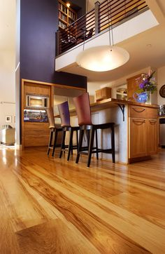 Exquisite golden colored hardwarm keep the room warm and inviting.