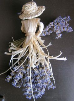 Corn husk and lavender Lavender Crafts, Lavender Bags, Lavender Flowers, Dried Flowers, Deco Floral, Arte Floral, Corn Husk Crafts, Corn Husk Dolls, Diy And Crafts