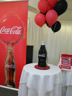 Coca Cola cake - que lindooooooooooooooooooo Coca Cola Cake, Coca Cola Kitchen, Cupcake Cakes, Cupcakes, Always Coca Cola, Coke, Retirement, Appreciation, Party Ideas