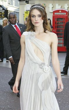 Keira Knightley Photos Photos - Celebs arrive at the premiere of 'Atonement' at the Odeon in Leicester Square. The film is an adaption of the Ian McEwan novel of the same name, directed by Joe Wright and starring Keira Knightley and James McAvoy. - Atonement Premieres in London