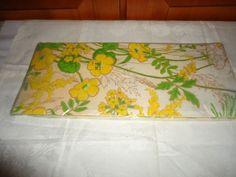 Vintage NOS NIP Hallmark Paper Party Table Cover. Floral Motif. USA.
