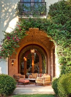 Beautiful porch ..Brentwood residence, Los Angeles. Sinclair Associates Architects.