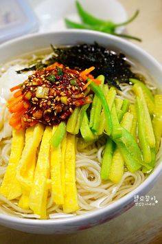 this bowl of noodle also from the after korea war.after the weeding/funeral, there was not much to served to the peoples.only noodles with hot clear broth+kimchi. Spicy Recipes, Asian Recipes, Cooking Recipes, Healthy Recipes, Noodle Recipes, K Food, Food Menu, Korean Dishes, Korean Food