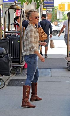 Love her style Casual Street Style, Casual Chic, Casual Fall, Cute Fashion, Star Fashion, New Outfits, Summer Outfits, Celebrity Style Inspiration, Celeb Style