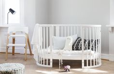 Once your baby reaches the curious climbing stage, you can remove one side of the Stokke Sleepi Crib bed for easy access, and to boost feelings of freedom and independence.