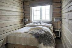 Demain, c'est l'hiver! L'occasion de faire une petite visite de saison avec ce chalet à l'ambiance très cocooning! Beaucoup de bois, des...