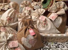 Confezioni regalo - sacchetti in stoffa e iuta - porta biscotti e caffè - idea regalo Home Made by Rossella&Co.