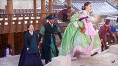 The King's Doctor (Hangul: 마의; hanja: 馬醫; RR: Ma-ui; lit. Horse Doctor) is a 2012 South Korean television series depicting Baek Gwang-hyeon (1625–1697), Joseon Dynasty veterinarian, starring Jo Seung-woo and Lee Yo-won. It aired onMBC.The life of a Joseon-era low-class veterinarian specializing in the treatment of horses, who rises to become the royal physician in charge of the King's health. 숙휘공주 김소은