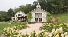 How much a Pippin Hill Farm wedding will cost you, plus other wedding venue details.