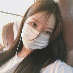 Find images and videos about girl, korean and ulzzang on We Heart It - the app to get lost in what you love. Ulzzang Korean Girl, Korean Boy, Cute Korean Girl, Asian Girl, Korean Aesthetic, Aesthetic Girl, Uzzlang Girl, Girl Face, Shy Girls