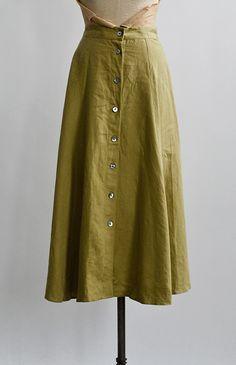 1980s / Foliose Skirt / www.adoredvintage.com