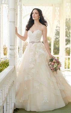 92adf32947 30 Best Ballgown Wedding Dresses images in 2019 | Boyfriends, Bridal ...
