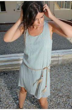 http://www.urbandressing.com/25943-thickbox/robe-sans-manches-imprimee-new-vague.jpg