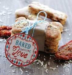 Looking for the perfect gift tag for your homemade baked goods? You are in the right place come and download our Baked with Love Printable Tags FREE!