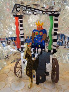 Il Giardino dei Tarocchi è un parco artistico situato in località Garavicchio, nei pressi di Pescia Fiorentina, frazione di Capalbio (GR) in Toscana, Italia, ideato dall'artista franco-statunitense Niki de Saint Phalle, popolato di statue ispirate alle figure degli arcani maggiori dei tarocchi.