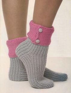 Création au #Tricot n°10 : Socquettes fluo - Le Monde de Célénaa