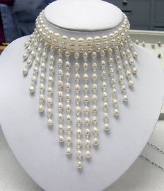 ATTRACTIVE White Cultured Pearl Necklace