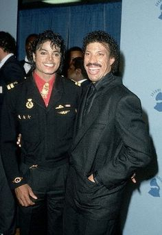 Michael and Lionel Richie Paris Jackson, Janet Jackson, Jackie Jackson, Lionel Richie, Thriller Album, Invincible Michael Jackson, Michael Jackson Bad Era, The Jacksons, Guy Pictures