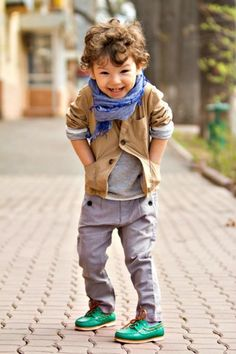 I just love this outfit on this little kid!