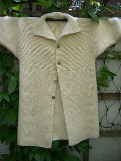 Einstein Coat by cbogartrome, via Flickr..because I have the yarn already, it's easy, quick and famous :)