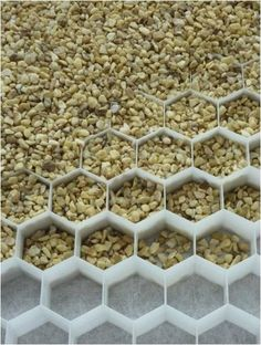 pea gravel under lay system - from FlourishDesignandStyle Blogspot - click for more