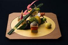 (2ページ目)鮮やかな嵐山の紅葉をヘリから堪能! 「星野リゾート」で京都を味わう|新着! 世界のホテル・インフォメーション|CREA WEB(クレア ウェブ)
