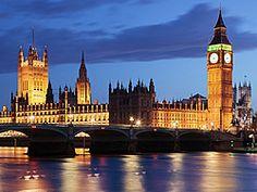 Londres tiene algo que engancha y a todos gusta, Londres es diversión, cultura, luces y color. Una ciudad capaz de sorprender tanto a quien la visita por primera vez, como a los que se enamoraron de ella y no pueden dejar de visitarla con asiduidad.
