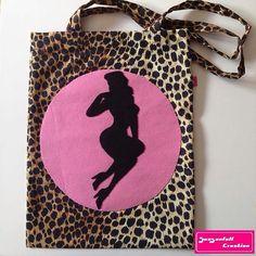 Tote bag pin up leopard by Seasonfall on Etsy #pinup #pinupgirl #pinupstyle #pinupmodel #totebag #pink #leopard #leopardprint #leopardo #etsy #etsyshop #etsyseller #etsystore #accesories #fashion #girly #woman #feminine #pinkoctober #bordeaux #borsa #bolso #sac #faitmain #hechoamano #handmade #instacraft #tattoo #tattooaddict #giftidea #felt #feutrine #filz #fieltro #feltro