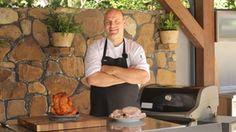 S šéfkuchařem Zdeňkem Marcínem se i tuto neděli setkáme u grilu. Tentokrát ukáže, jak na něm ze šťavnaté vepřové krkovičky vytřískat maximum. Food, Essen, Meals, Yemek, Eten