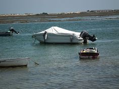 Boats_of_Santa_Luzia_May2013 001
